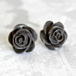 dark taupe roses 1