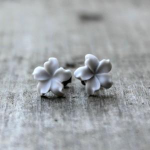 lt gray jasmines 1